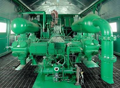 Large pipeline compressor station